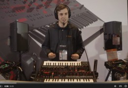 WATCH/ROLAND JD-XI SYNTH DEMO AT NAMM 2015